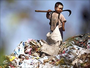 Myanmar refugee child